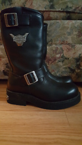 Women's Harley Davidson boots BRAND NEW