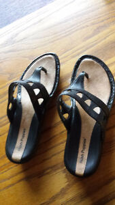 Woman's sandals- leather upper