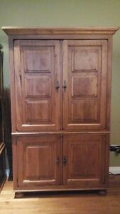 Quality Broyhill TV Entertainment Armoire