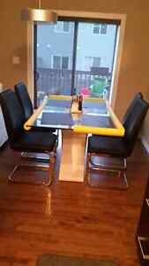 Brand new dinning table with chairs. Edmonton Edmonton Area image 1