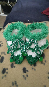 Hand knitted Christmas baby booties. Premie & New Born