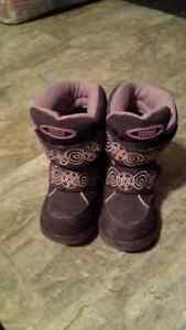 Size 8 toddler cougar boots