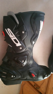 SIDI Vertigo motorcycle boots. Size 11 US. Brand NEW!