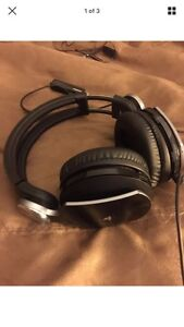 PlayStation 3 Pulse wireless headset