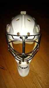 Itech Pro 961 goalie mask Stratford Kitchener Area image 1