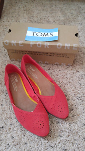 Toms perforated suede shoes