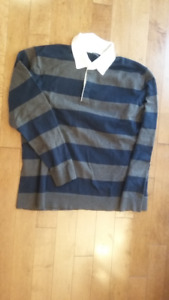Men's top by The Gap - size XXL but fits smaller