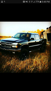 2006 LIFTED BLACK CHEVY