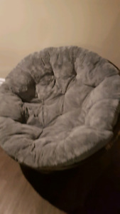 2 papazan comfy chairs with cushions and floor mat