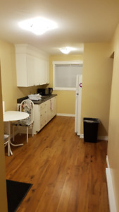 Looking for a roommate to split rent