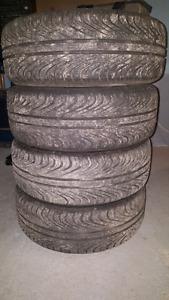 """4 rim 16"""" 5x100 en très bonne état avec 4 pneus usées à 20%"""