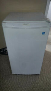 Large Sized Mini Fridge in Great Condition