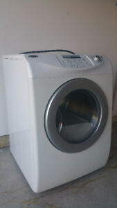 Excellent condition Maytag electrical laundry Dryer for Sale