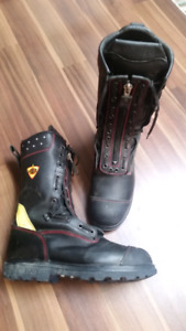 9 pairs men's work boots and shoes mostly size 13 with a couple