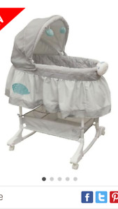Bily 2-in-1 Bassinet in excellent condition