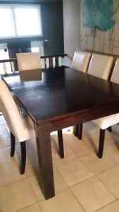 Solid maple dining table with leaf  Cambridge Kitchener Area image 1