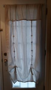 Pôles et rideaux