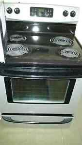 Kenmore Silver and black electric Stove - Like New !