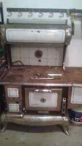 Old wood cooking stove London Ontario image 5