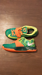 KD 7 WEATHERMAN!! LOOKING TO SELL OR TRADE // SIZE 10.5