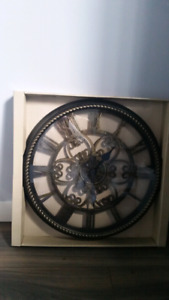"(Brand new!) Edinburgh 20"" Wall Clock"