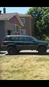 1998 jeep  1500 firm great toy for someone
