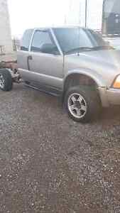 Parting out a 2001 GMC Sonoma ZR2 Kitchener / Waterloo Kitchener Area image 2