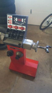 Snap On Wheel balancer  Hand Spin