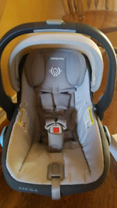 Uppababy messa carseat and base