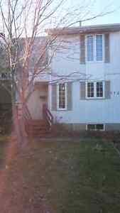 Maison de ville à vendre Blainville 215 000$