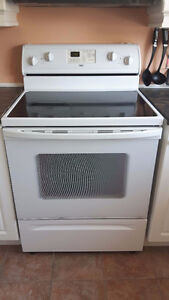 STOVE WHITE INGLIS WITH SELF-CLEANING OVEN