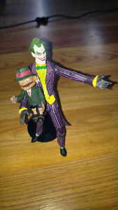 Dc Direct Arkham Asylum Joker and Scarface Figurine