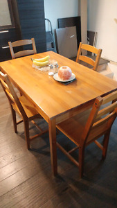 Slightly used dining room table-great starter set