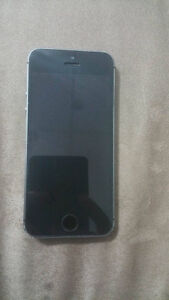 iphone 5S excellent Bell et Virgin 16g