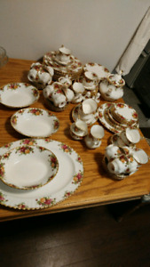 Old country rose fine bone china