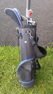 Left shot youth golf clubs with bag