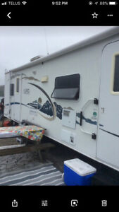 27 ft travel trailer