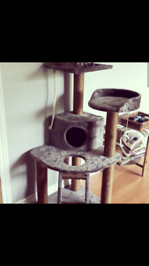 Cat tree for sale.. Just like new!