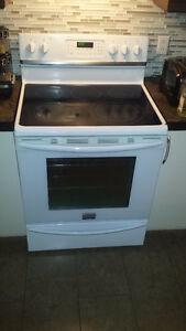 Stove/Cuisinière & Fridge/Réfrigerateur 350$ each or $600 both