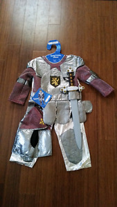 Boys size 3-4 knight costume. Never worn