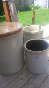 Pottery pots