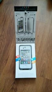 iphone 4S with lifeproof case