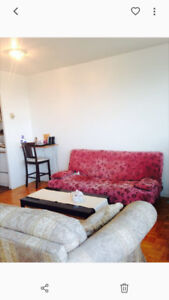 Rent(Louer) apartment 2.5 from Now to 9 April , $ 800 per month