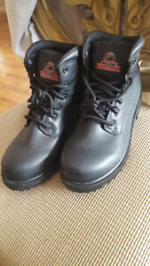 Work Boot Leather Brand new never  used size 8 1/2 Wide