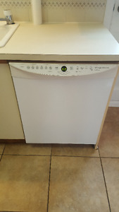 Dishwasher for sale/ a vendre (negotiable)