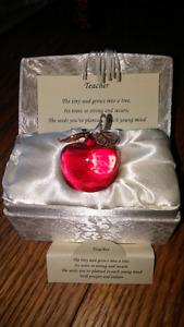 Crystal apple for teacher in box new