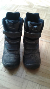 SIZE 3 GEOX WINTER BOOTS!!