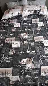 Queen size duvet cover with 2 pillowcases.  Kitchener / Waterloo Kitchener Area image 3