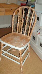 Belle chaise d'époque Saguenay Saguenay-Lac-Saint-Jean image 1