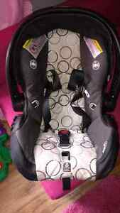 Selling Car Seat mint condition